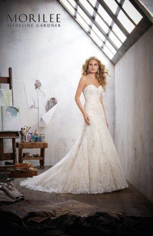 Mori Lee Mackinley 8102