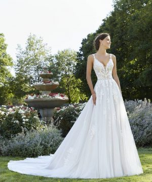 Blu Wedding Dresses 5805