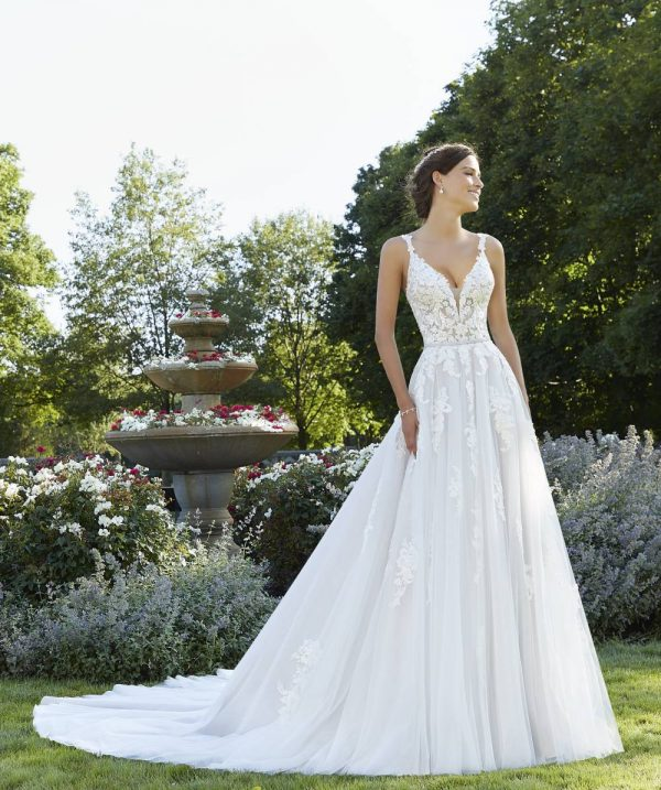 Blu Wedding Dresses 5805